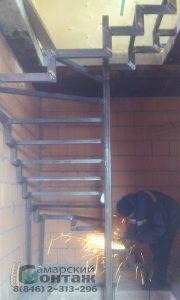 монтаж лестницы металл