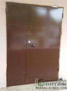 двустворчатая-металлическая-дверь